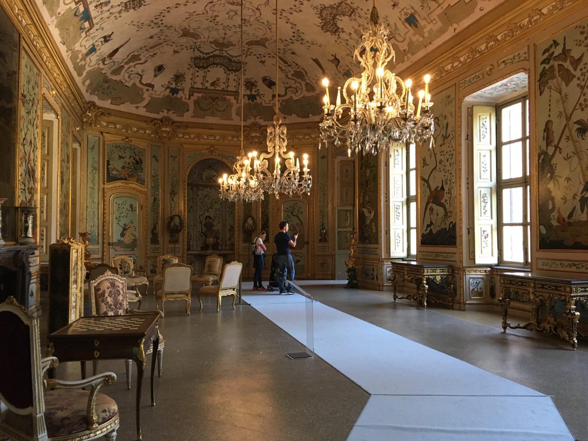 イタリア トリノのお城のシノワズリ リサブレア 神戸のインテリア